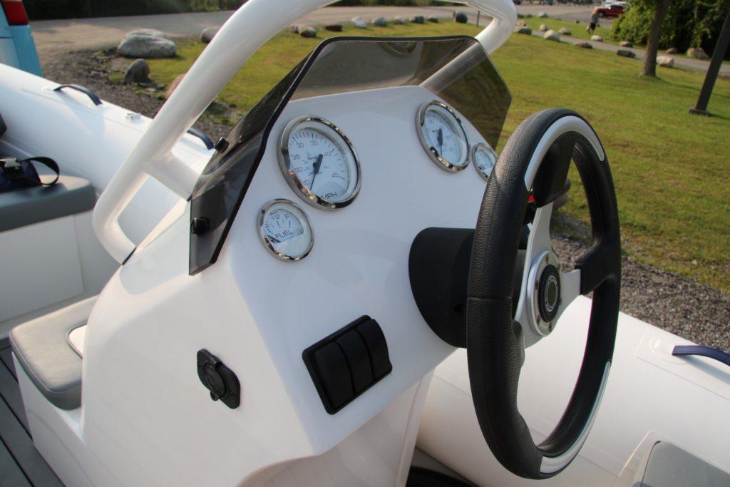 Highfield Deluxe 390